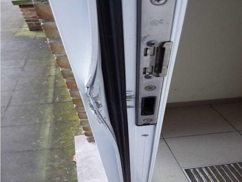 Inbraakschade aan aluminium deur